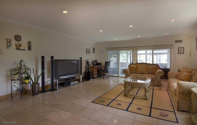 Additional photo for property listing at  Rutherford, New Jersey 07070 Stati Uniti