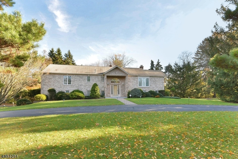 Single Family Home for Sale at 781 HURON RD 781 HURON RD Franklin Lakes, New Jersey 07417 United States