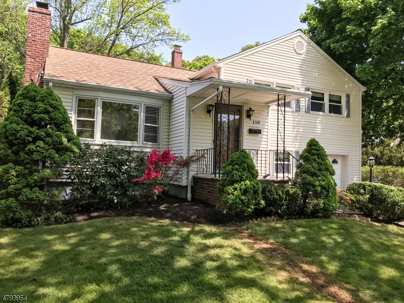Single Family Home for Rent at 110 WOODLAND RD 110 WOODLAND RD New Providence, New Jersey 07974 United States