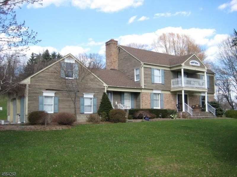 Single Family Home for Sale at 12 Valley View Ln 12 Valley View Ln West Milford, New Jersey 07480 United States