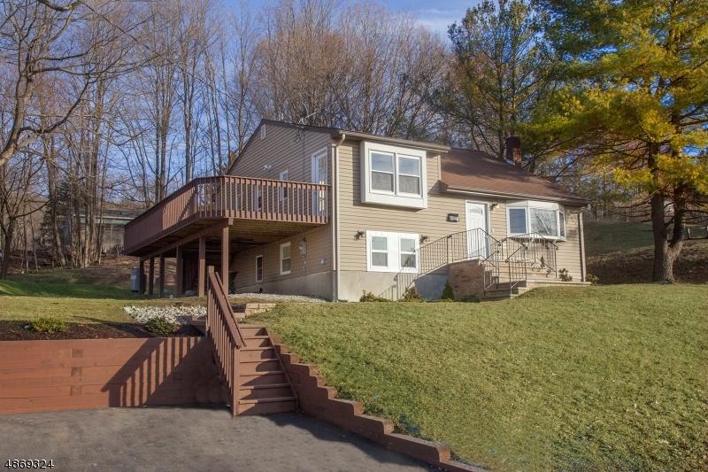 Частный односемейный дом для того Продажа на 3 ADAMS Drive Ogdensburg, Нью-Джерси 07439 Соединенные Штаты