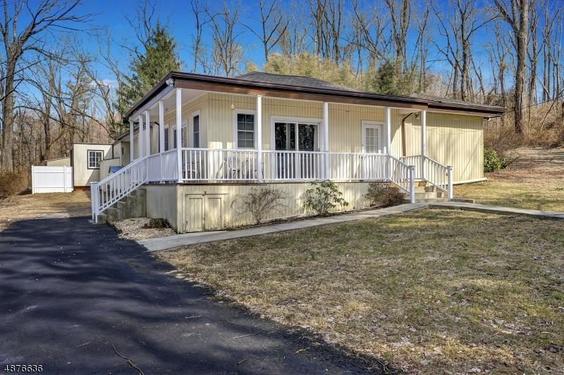 Частный односемейный дом для того Продажа на 272 MT AIRY-HARBOURTON Road West Amwell, Нью-Джерси 08530 Соединенные Штаты