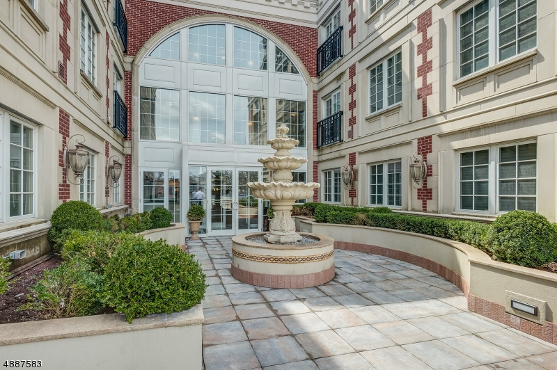 Condo / Townhouse for Sale at Westfield, New Jersey 07090 United States