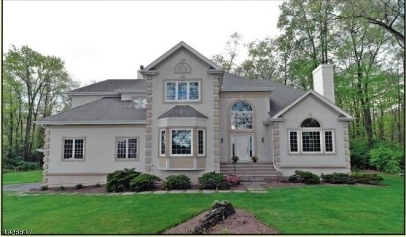 Single Family Homes pour l Vente à Allamuchy, New Jersey 07821 États-Unis