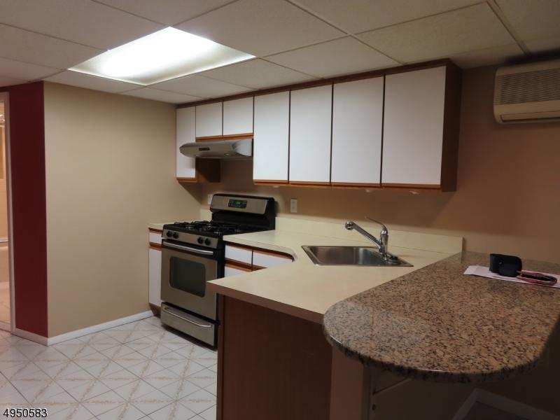 Single Family Homes por un Alquiler en Pompton Lakes, Nueva Jersey 07442 Estados Unidos