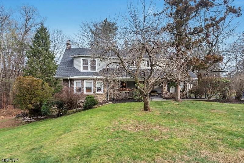 Single Family Homes por un Venta en Woodcliff Lake, Nueva Jersey 07677 Estados Unidos