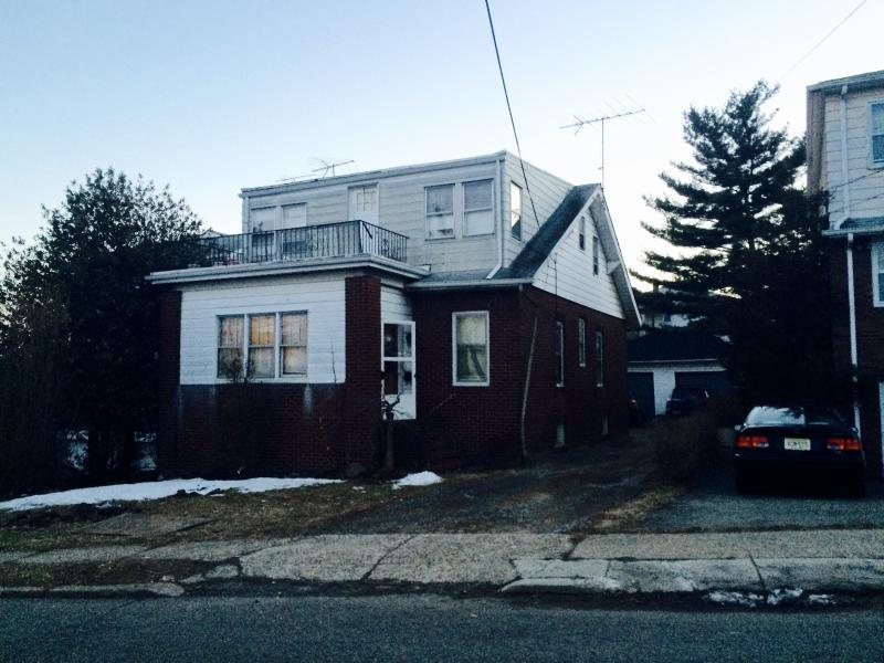 Casa Multifamiliar por un Venta en Address Not Available Paterson, Nueva Jersey 07502 Estados Unidos