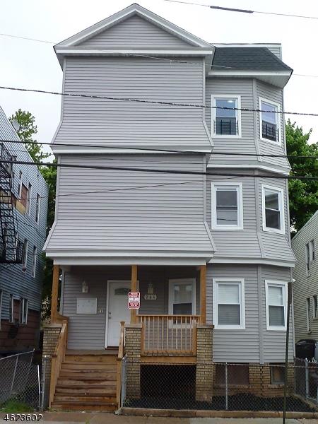 Maison avec plusieurs logements pour l Vente à 264 21st Street Irvington, New Jersey 07111 États-Unis