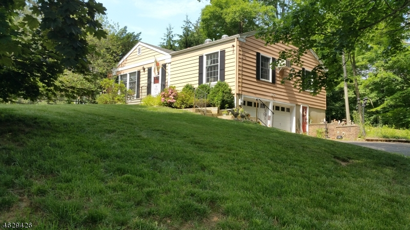 Additional photo for property listing at 24 N Maple Avenue  Basking Ridge, Нью-Джерси 07920 Соединенные Штаты