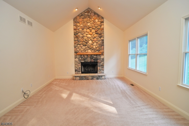 Additional photo for property listing at 7 Cornerstone Drive  Hackettstown, Nueva Jersey 07840 Estados Unidos