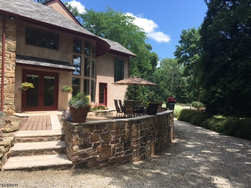 Additional photo for property listing at 17 Fox Hill Road  Califon, Nueva Jersey 07830 Estados Unidos