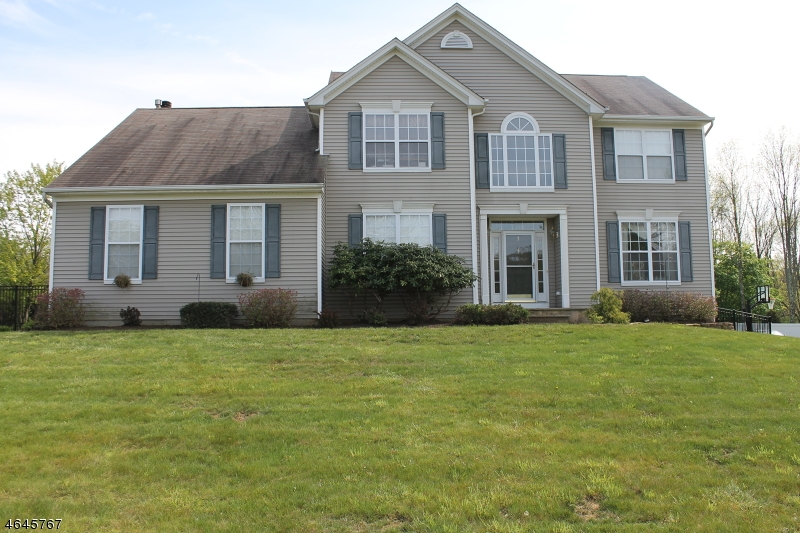 Additional photo for property listing at 3 Dorset Drive  Hackettstown, Nueva Jersey 07840 Estados Unidos