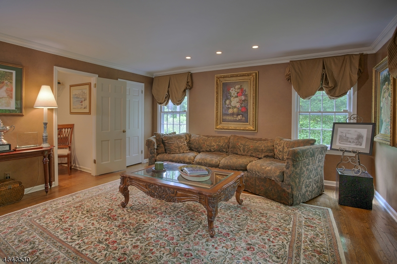 Additional photo for property listing at 23 Old Farm Road  Basking Ridge, Нью-Джерси 07920 Соединенные Штаты