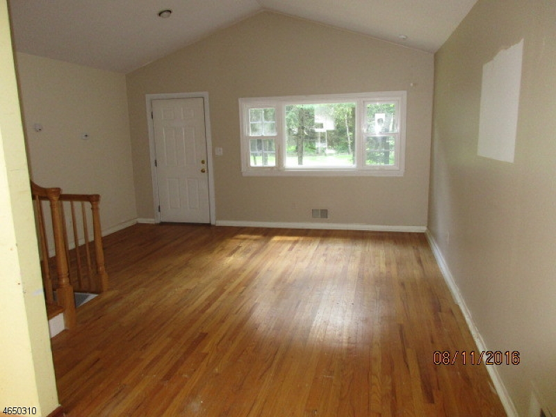 Additional photo for property listing at 2 Peach Tree Lane  West Milford, New Jersey 07480 United States