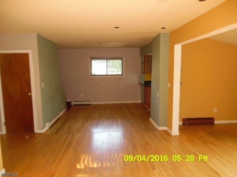 Additional photo for property listing at 7 Lookout Avenue  Lake Hopatcong, Нью-Джерси 07849 Соединенные Штаты