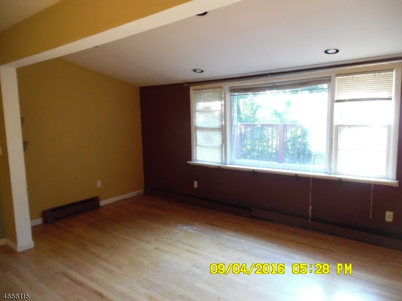 Additional photo for property listing at 7 Lookout Avenue  Lake Hopatcong, New Jersey 07849 États-Unis