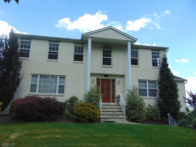 Additional photo for property listing at 24 Brownstone Ter  Hawthorne, New Jersey 07506 États-Unis