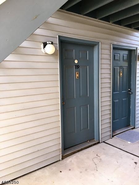 独户住宅 为 出租 在 20-119 DELAR PKY 富兰克林公园, 08823 美国