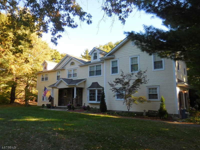 Single Family Home for Sale at 212 Wayfair Circle Wyckoff, 07481 United States