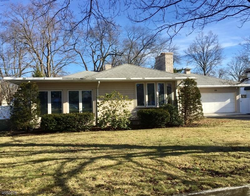Частный односемейный дом для того Продажа на 98 Boulevard Pequannock, Нью-Джерси 07440 Соединенные Штаты