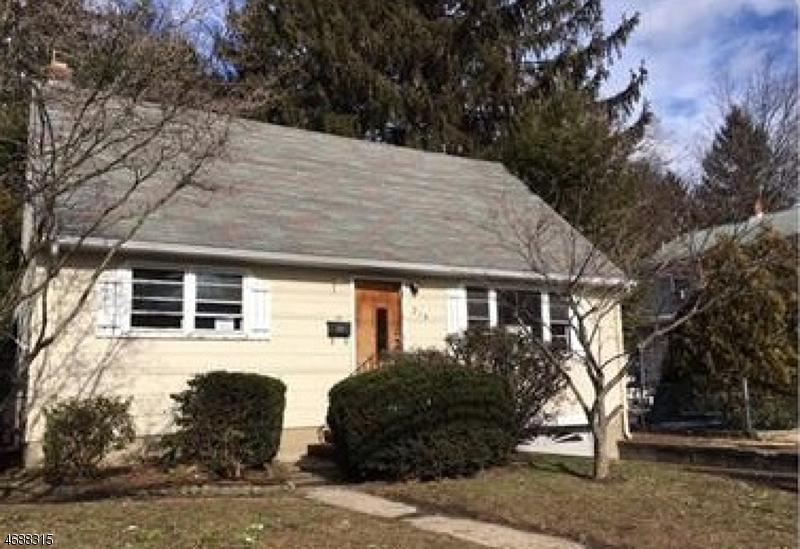 独户住宅 为 销售 在 215 Madison Avenue 新米尔福德, 新泽西州 07646 美国