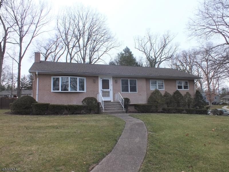 Частный односемейный дом для того Продажа на 11 Jacque Ter Whippany, 07981 Соединенные Штаты