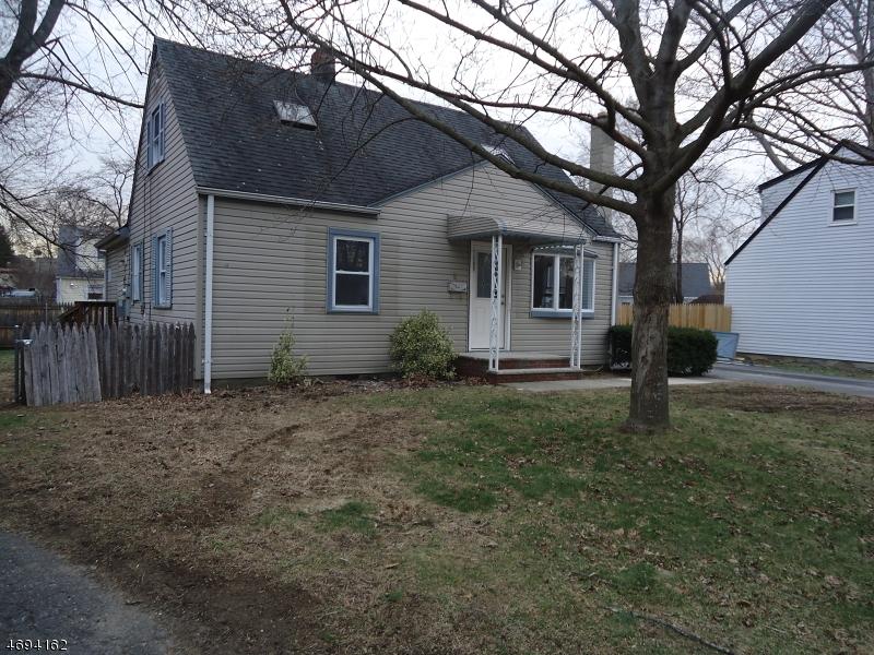 Частный односемейный дом для того Продажа на 5 Norman Court Wanaque, Нью-Джерси 07420 Соединенные Штаты