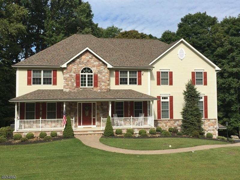 Частный односемейный дом для того Продажа на 8 Liberty Trail Andover, 07860 Соединенные Штаты