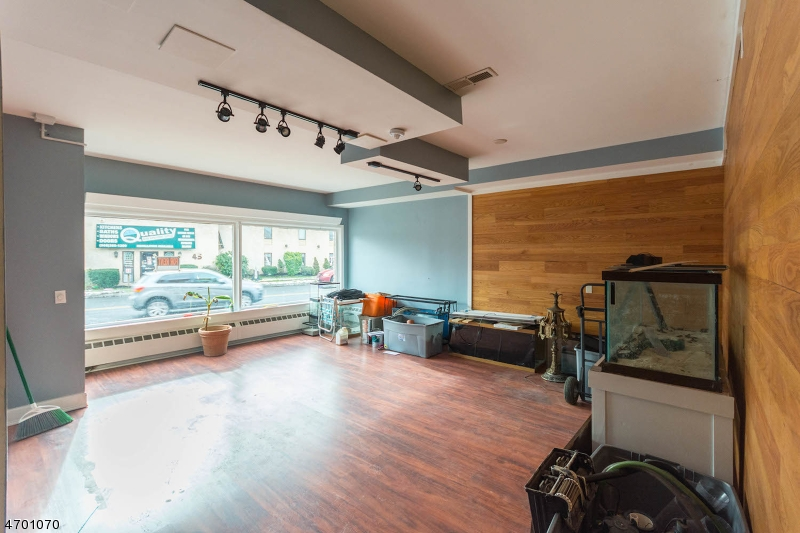 Additional photo for property listing at 40 North Avenue  Garwood, 新泽西州 07027 美国
