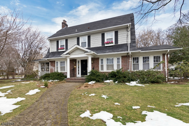 Casa Unifamiliar por un Venta en 29 Tonawanda Road Glen Rock, Nueva Jersey 07452 Estados Unidos