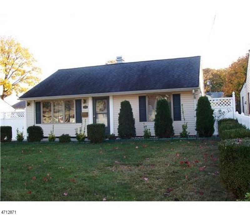 Maison unifamiliale pour l Vente à 398 Hudson Blvd Avenel, New Jersey 07001 États-Unis