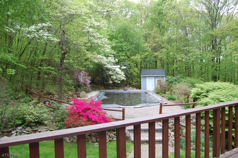 Additional photo for property listing at 6 Country Lane  Tewksbury Township, New Jersey 07830 États-Unis