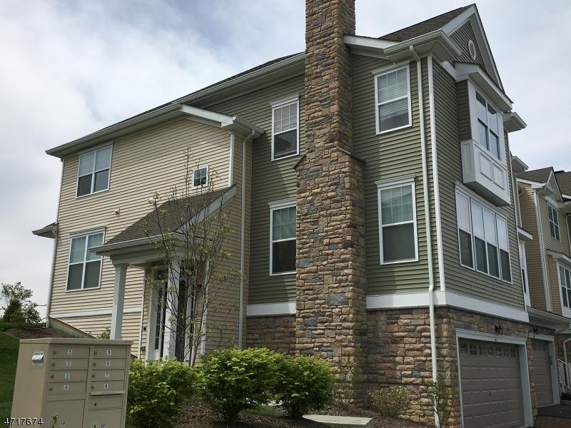 Частный односемейный дом для того Продажа на 36 Wild Iris Lane Allamuchy, 07840 Соединенные Штаты