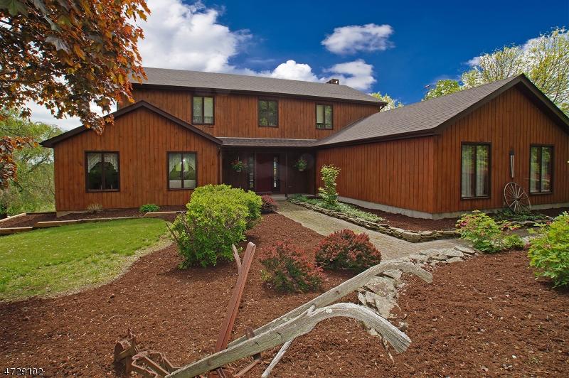Частный односемейный дом для того Продажа на 23 Phillips Road Frankford Township, 07826 Соединенные Штаты
