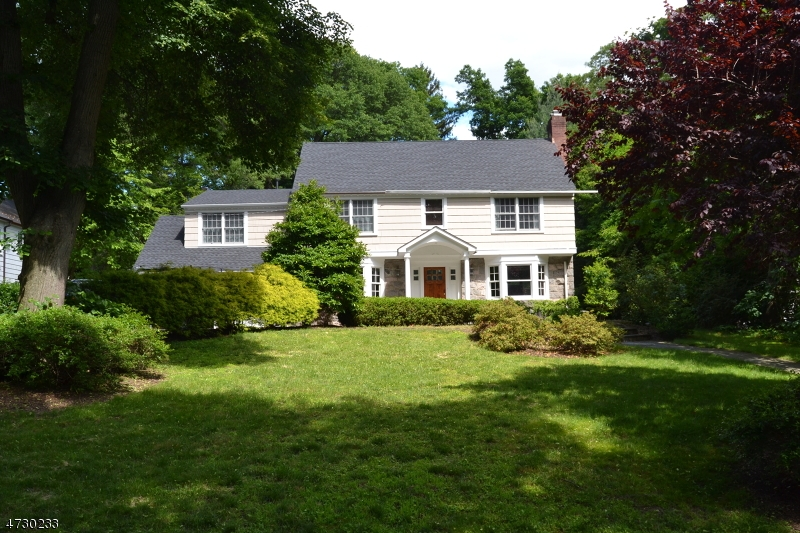 Single Family Home for Sale at 115 Heights Road Ridgewood, 07450 United States