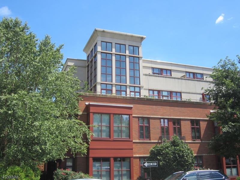 Частный односемейный дом для того Продажа на 85 PARK AVE UNIT 209 Glen Ridge, Нью-Джерси 07028 Соединенные Штаты