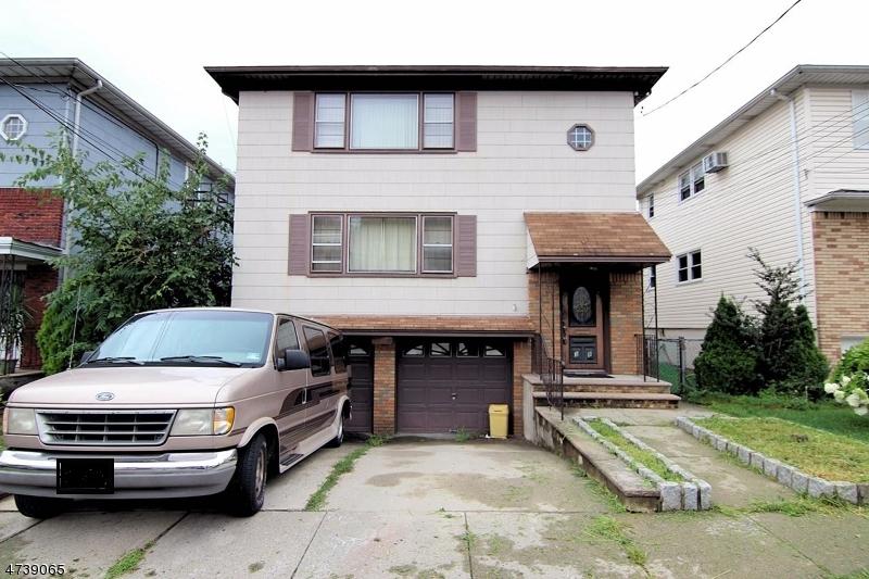 Maison avec plusieurs logements pour l Vente à 38 E Midland Avenue Kearny, New Jersey 07032 États-Unis