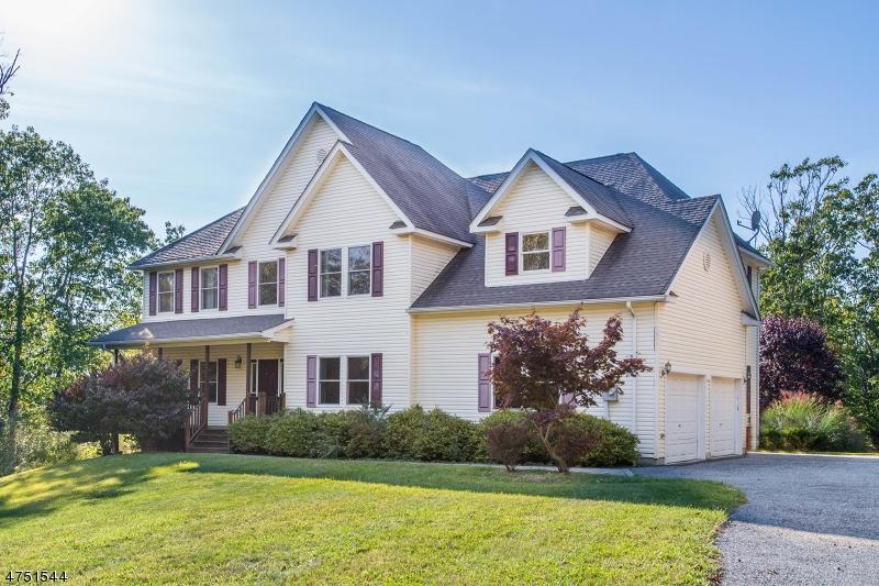 Частный односемейный дом для того Продажа на 7 Tudor Hill Drive Vernon, Нью-Джерси 07461 Соединенные Штаты