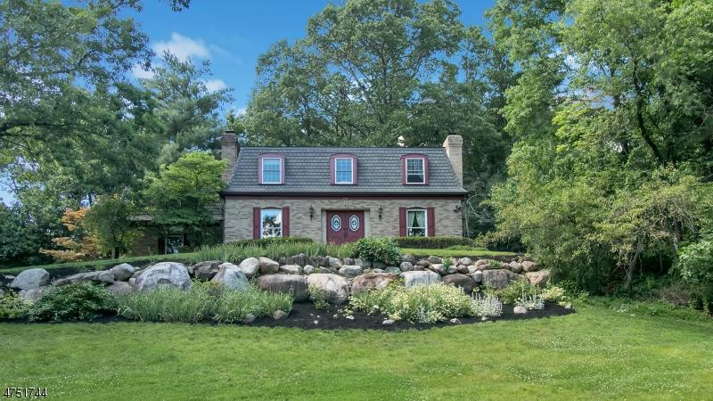 Частный односемейный дом для того Аренда на 752 Rivenwood Road Franklin Lakes, Нью-Джерси 07417 Соединенные Штаты