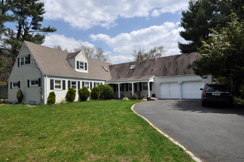 独户住宅 为 销售 在 10 Jensen Court 查塔姆, 新泽西州 07928 美国