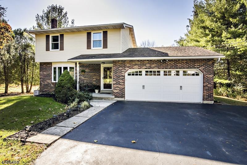 Nhà ở một gia đình vì Bán tại 43 Harlan School Road Branchburg, New Jersey 08876 Hoa Kỳ