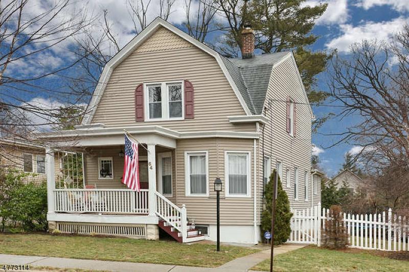 Casa Unifamiliar por un Alquiler en 64 Cottage Street Midland Park, Nueva Jersey 07432 Estados Unidos