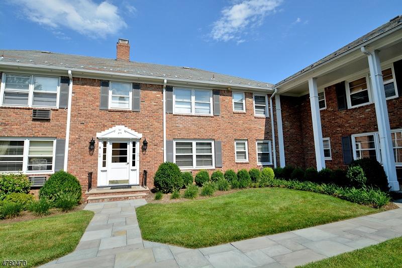 独户住宅 为 出租 在 86 New England Ave, Unit 42 萨米特, 新泽西州 07901 美国