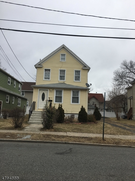 Многосемейный дом для того Продажа на 278 Stanley Place Hackensack, Нью-Джерси 07601 Соединенные Штаты