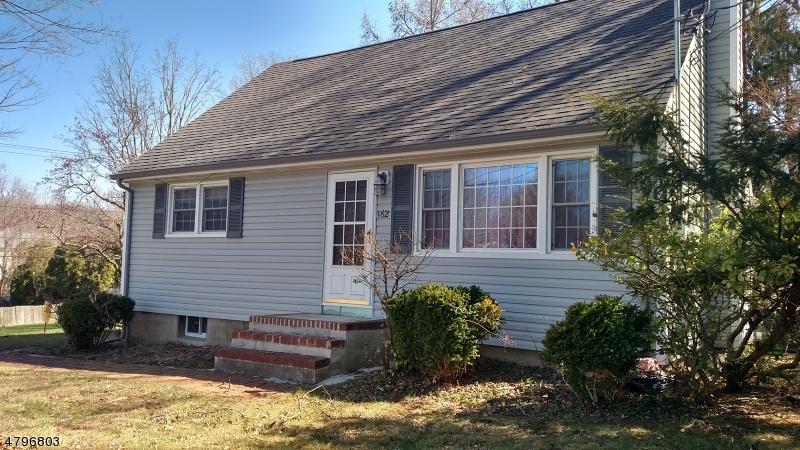Nhà ở một gia đình vì Bán tại 162 Marshall Hill Road West Milford, New Jersey 07480 Hoa Kỳ