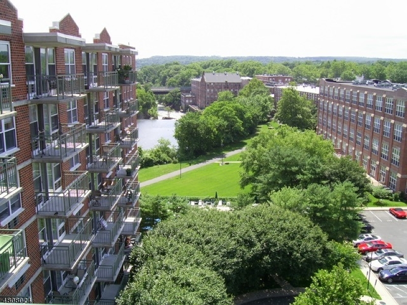 Condo / Townhouse for Rent at 300 MAIN ST UNIT 901 Little Falls, New Jersey 07424 United States
