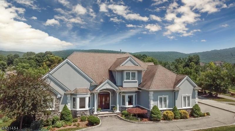 Частный односемейный дом для того Продажа на 2 Little Tarn Court Hardyston, Нью-Джерси 07419 Соединенные Штаты