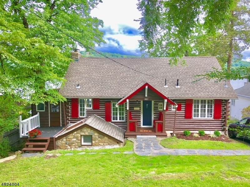 Casa Unifamiliar por un Venta en 48 BIRCH PKY Byram Township, Nueva Jersey 07871 Estados Unidos