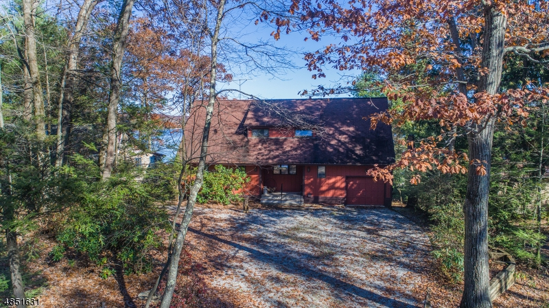 Additional photo for property listing at 2074 Lakeside Dr W  Vernon, New Jersey 07422 United States