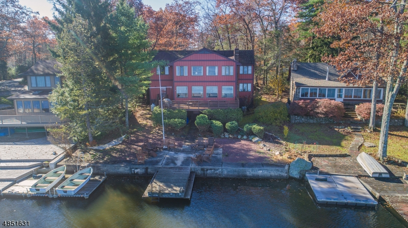 Single Family Home for Sale at 2074 Lakeside Dr W 2074 Lakeside Dr W Vernon, New Jersey 07422 United States